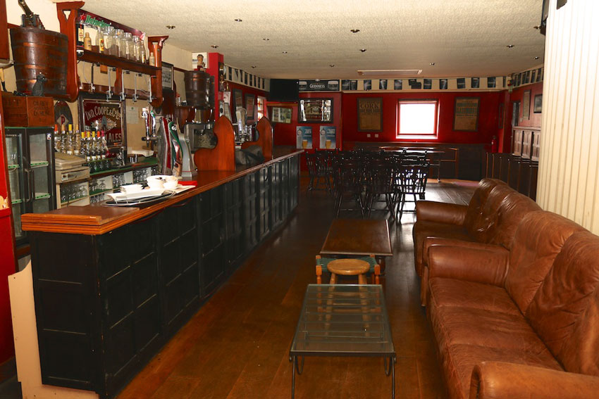 Melletts pub in Swinford, Co Mayo, Party & Live Music Venue